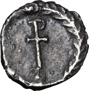 reverse: Justinian I (527-565).. AR Quarter Siliqua, Ravenna mint