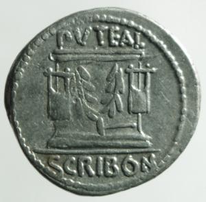 reverse: Repubblica Romana.Scribonia L. Scribonius Libo (62 a.C.) . Denario .D\Testa diademata del Buon Evento a destra . /R Pozzo scriboniano B. 8; Cr. 416/1b (AG g. 3,90) BB+.Metallo lucente.