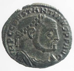 obverse: Impero Romano. Costantino I. 306-337 d.C. Follis ridotto. Ae. D/ CONSTANTINVS P F AVG Testa laureata verso destra. R/ IOVI CONSERVATORI Giove con scettro regge il globo, ai suoi piedi una corona, nel campo B. Zecca di Tessalonica TS E. RIC.VI 61 b. Peso 3,550 gr. Diametro 23,32 mm. BB+