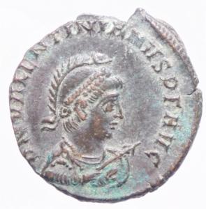 obverse: Impero Romano.Valentiniano II . Maiorina pecunia . 378-383 d.C. D\ Dominus Noster Valentinianus Pius Felix Augustus busto di Valentiniano Armato e elmato verso destra R\GLORIA RO-MANORVM Valentiniano con mantello ed elmo su galea a sinistra una vittoria, in esergo SM K A,Cizico C.22 - RIC.14 b (R2) - LRBC.2374 - RC.4161 (45) - MRK.159 /22 var..Peso 5,40 gr.Diametro 24,00 mm.SPL