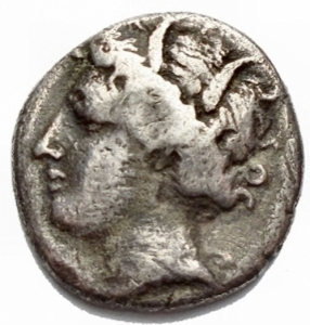 reverse: Mondo Greco - Lokris. Lokris Opuntii. AR Triobol. Circa 360-350 BC. Head of Demeter left, wearing wreath of corn-ears / , Ajax, nude but for crested Corinthian helmet, advancing right, holding sword and shield. BCD Lokris-Phokis 63. 2.43g, 13,76 x 14,16 mm. aVF