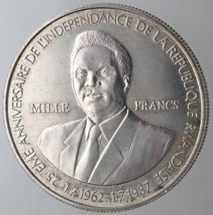 obverse: Rwanda. 1000 Franchi 1989. Ag 925.