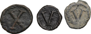 reverse: Byzantine Empire and Migration Period.. Lot of 3 unclassified AE denominations, including: Decanummium of Justinian I, Sicily mint and Pentanummium of Theoderic