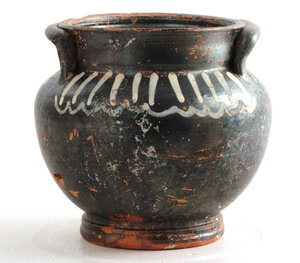 obverse: Black-glazed stamnos.  Black grazed, the body  with added white decoration.  Southern Italy, 4th century BC.  H. 10 cm