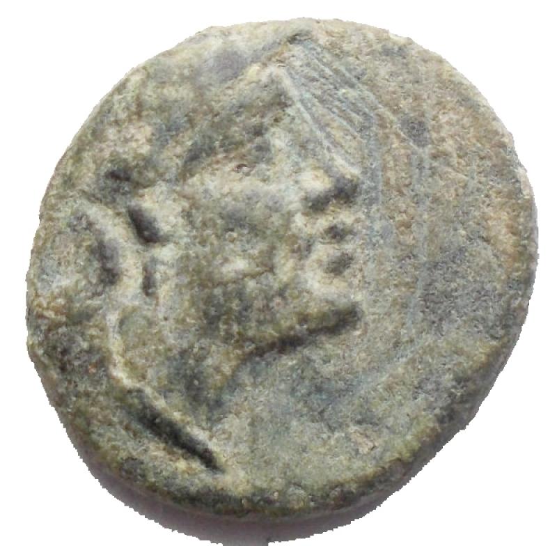obverse: Mondo Greco-Calabria Uxentum ?ca. 89 a.C. Ae. Diametro mm 15,73. Peso gr 3,35. D/ Athena. R/ Ercole.BB.Patina verde.