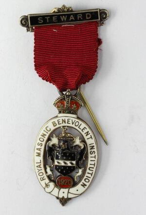 obverse: Massoneria inglese. Royal Masonic Benevolent Institution.Medaglia con nastrino e fascetta STEWARD 1920