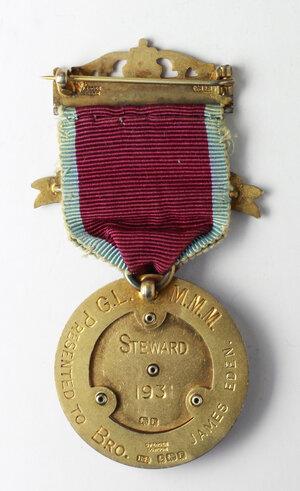 reverse: Massoneria inglese. Grand Lodge of Modern Mixed Masons.Medaglia STEWARD 1931 con nastrino e fascette (una con data 1935) assegnata a James Eden