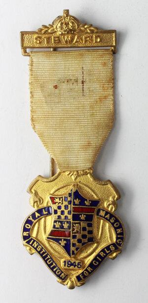 obverse: Massoneria inglese. Royal Masonic Institution for Girls. Medaglia 1945 con nastrino e fascetta STEWARD