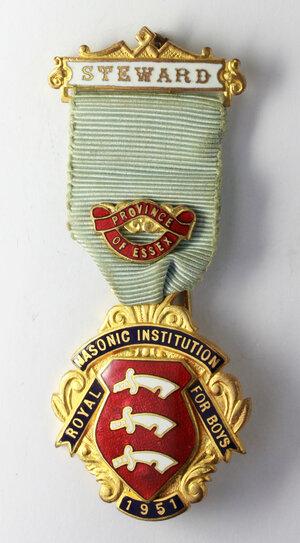 obverse: Massoneria inglese. Royal Masonic Institution for Boys (Province of Essex). Medaglia 1951 con nastrino decorato e fascetta STEWARD