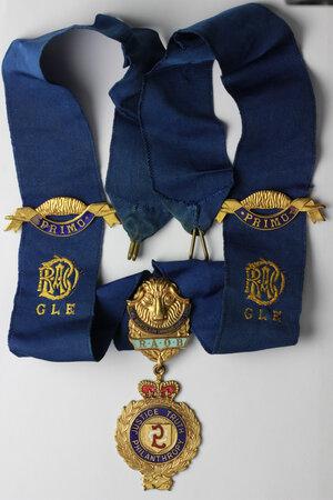 obverse: Massoneria Inglese. Royal Antediluvian Order of Buffaloes. Grand Lodge of England. Collare in seta con fascette PRIMO e decorazione