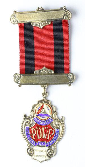 obverse: Massoneria inglese. The Order of the Sons of Temperance. Friendly Society. Medaglia con nastrino e fascette assegnata a W. Marshall 1956-1957