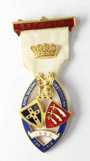 obverse: Massoneria inglese. Royal Masonic Institution for Girls. Medaglia 1963 con nastrino decorato e fascetta STEWARD