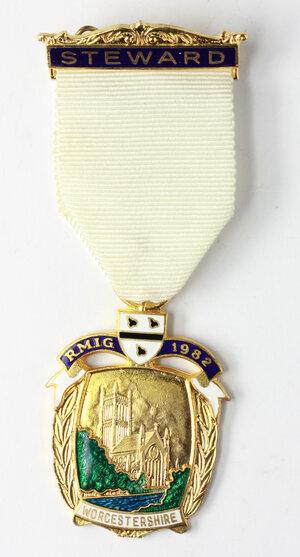 obverse: Massoneria inglese. Royal Masonic Institution for Girls (Worcestershire).Medaglia 1982 con nastrino e fascetta STEWARD
