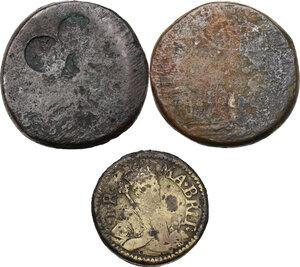reverse: Pesi Monetali. Lotto di tre pesi monetari del XVII sec.: Peso per la Sovrana d oro (22 Shilling) [9.84 g.] e due pesi per i 4 Reales [13.38 e 13.45 g.]