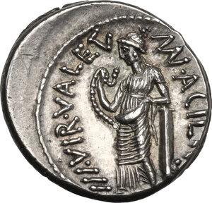 reverse: Man. Acilius Glabrio.AR Denarius, 49 BC