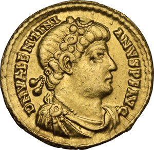 obverse: Valentinian I (364-375).AV Solidus, Treveri mint, 374-375 AD