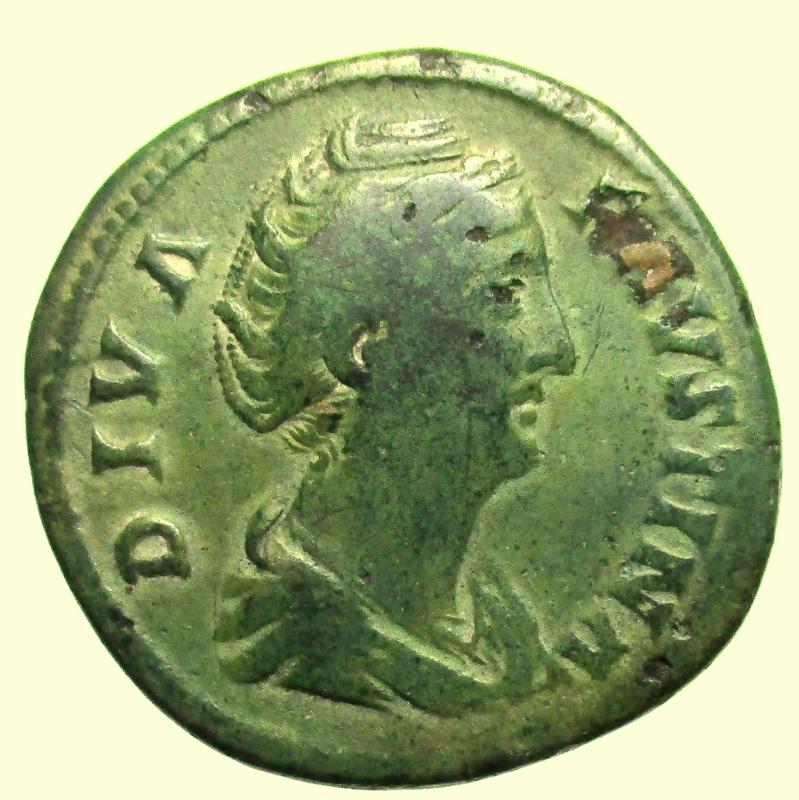 obverse: Impero Romano. Sesterzio Faustina I Deceduta nel 141 d.C.