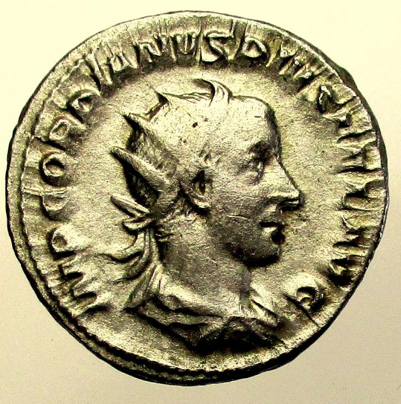 obverse: Impero Romano. Gordiano III. 238-244 d.C. Antoniniano.