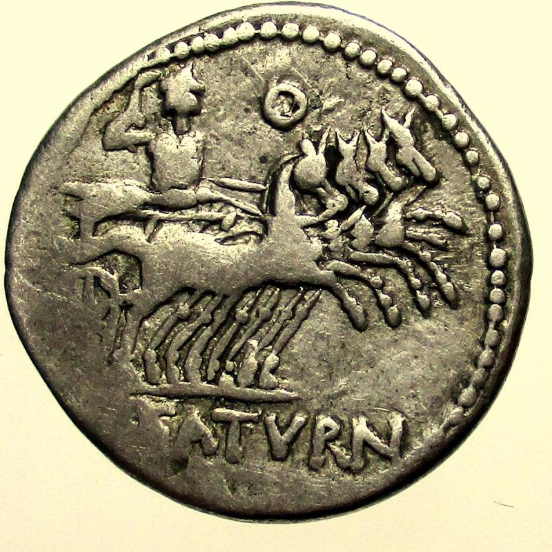 reverse: Repubblica Romana. Gens Appuleia. L.Appuleius Saturninus. 104 a.C. Denario.