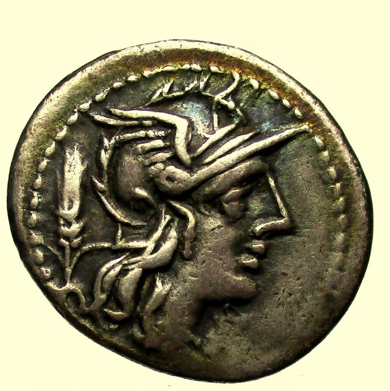obverse:  Repubblica Romana. Gens Domitia. Cn Domitianus Ahenobarbus. 128 a.C. Denario.