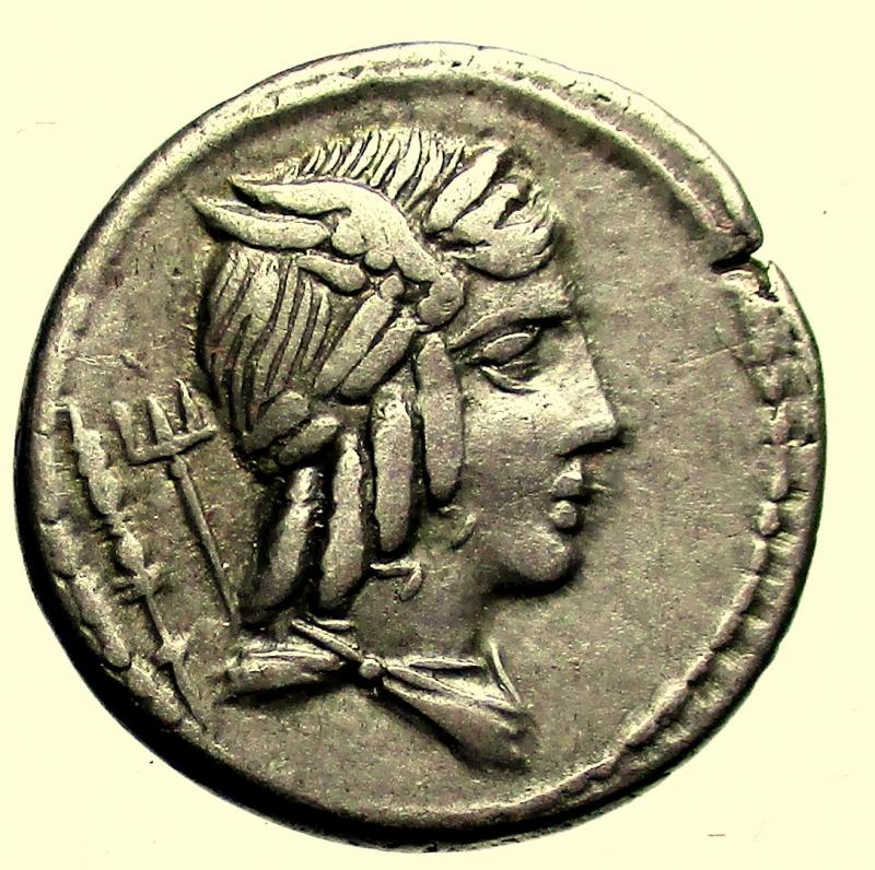 obverse: Repubblica Romana. Gens Julia. Lucius Julius Bursio. 85 a.C. Denario.