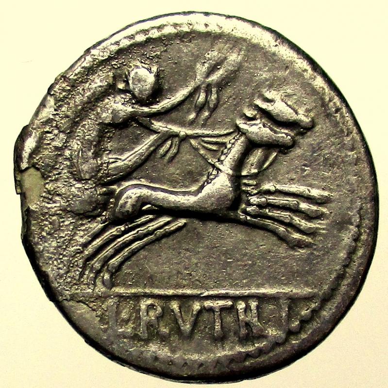 reverse: Repubblica Romana. Rutilia. L. Rutilius Flaccus. 77 a.C. Denario.
