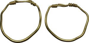 obverse: Pair of gold earrings.  Roman, 1st-2nd century AD.  12 mm. 1.04 g