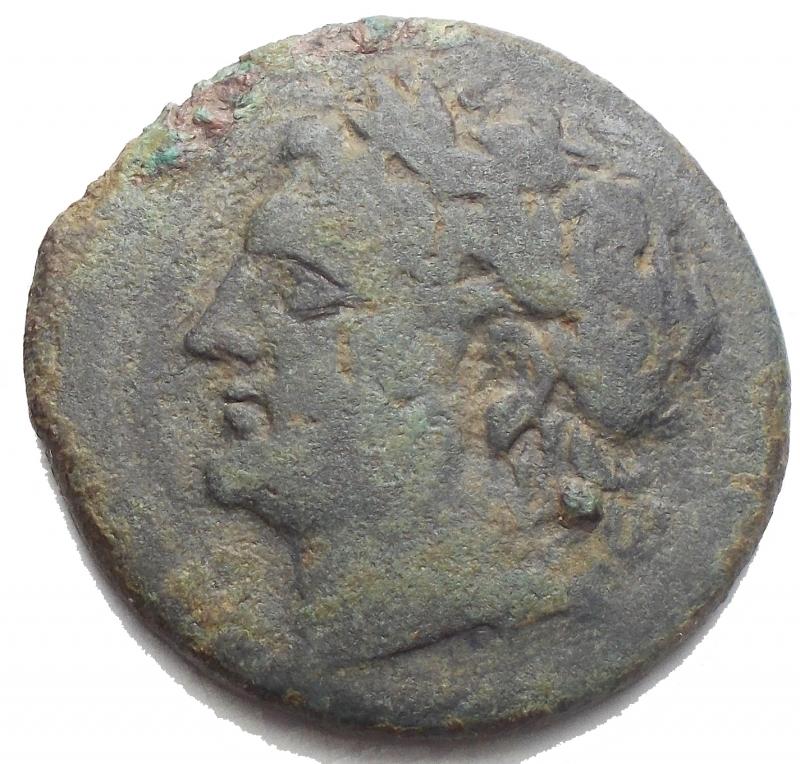 obverse: Mondo Greco -Sicilia.Messana, i Mamertini.Pentonkion, 230-200 a.C.D/ Testa di Ares a sinistra.R/ MAMEPTINN. Cavaliere stante di fronte, al fianco del proprio cavallo.Cfr. SNG ANS 429.gr. 9,45. mm 26,7.AE.qBB.