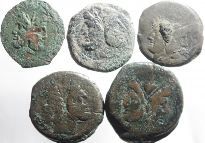 obverse: Lotti.Repubblica Romana.Lotto di 5 bronzi repubblicani, mediamente qBB.