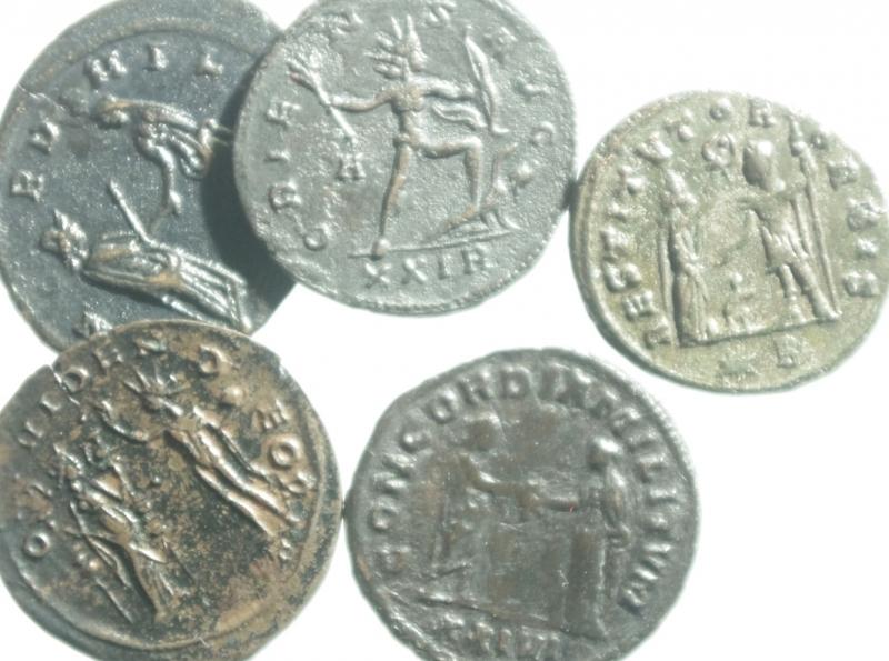 reverse: Lotti.Impero Romano.Aureliano.Lotto di 5 antoniniani, mediamente qBB