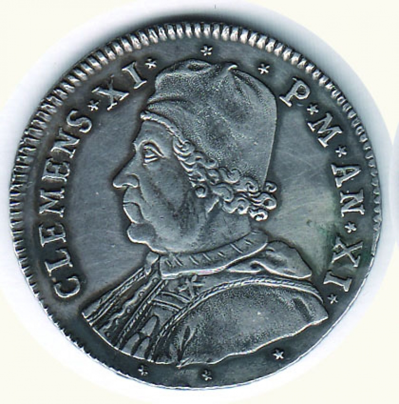 obverse: FERRARA - Clemente XI (1700-1721) - Testone; D/ Busto; R/ S. Giorgio a cavallo che uccide il drago - Zecca Ferrara - Altissima conservazione per il tipo - Patinato. SPL/FDC Richiesta 650