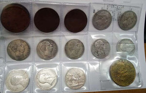 obverse: REGNO D ITALIA - Lotto di 17 monete e una copia