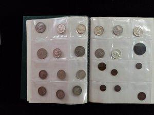 reverse: PICCOLO CLASSEUR verde con interessante accumulo di monete sabaude