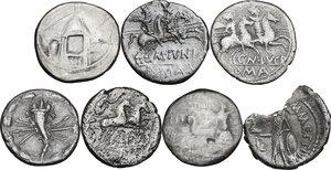 reverse: The Roman Republic. Multiple lot of seven (7) AR Denarii, including broken Denarius of Julius Caesar (M. Mettius moneyer)