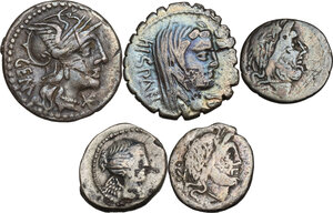 obverse: The Roman Republic. Multiple lot of five (5) AR coins: 2 Denarii (Cr. 250/1 and Cr. 372/2) and 3 Quinarii (Cr. 331/1, 332/1 and 341/3)