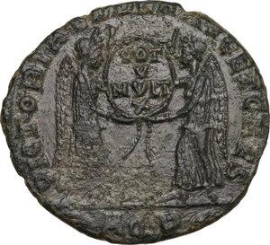 reverse: Decentius (351-353).. AE 23 mm. Aquileia mint