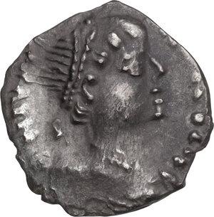 obverse: Ostrogothic Italy, Amalasuntha (534-535).. AR Quarter Siliqua in the name of Justinian I, Ravenna mint