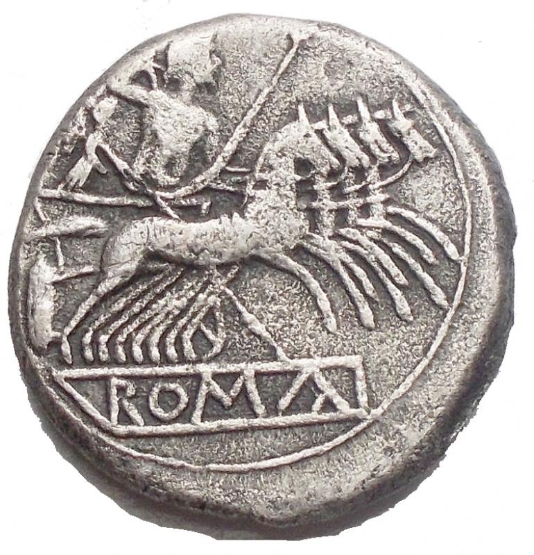 obverse: Repubblica Romana -Quadrigato 213-212 a.C.D/ Testa laureata di Giano.R/ Jupiter su quadriga a destra. Sotto, ROMA.Cr. 28/3.g 5,13. mm 19,25. MB-qBB.