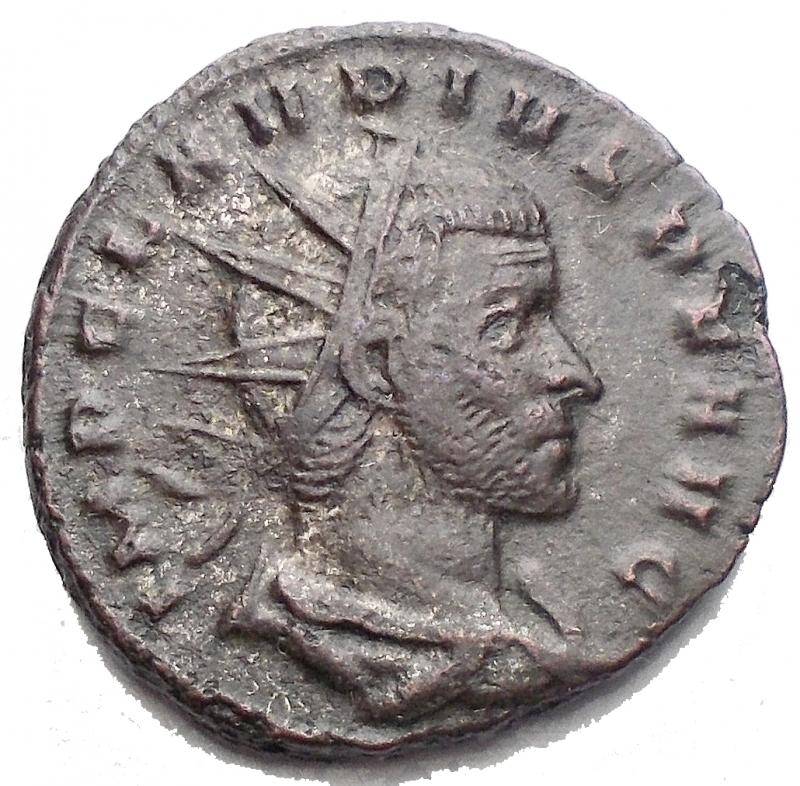 obverse: Impero Romano - Claudio II 268-269. Antoniniano. Mediolanum. r/ FELIC TEMPO. gr 4,66. mm 19,4. BB+/qBB.§
