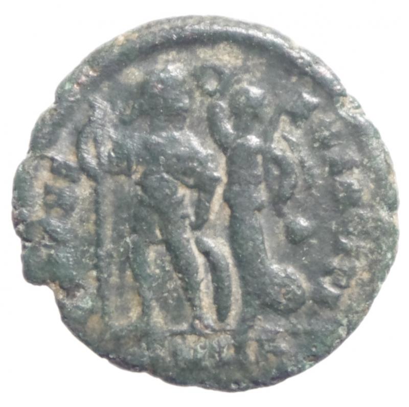 reverse: Impero Romano.Onorio (393-423).  395-401 d.C.D\ Busto diademato verso destra R/ l Imperatore incoronato dalla vittoria.Diametro 18 mm.BB+\qBB
