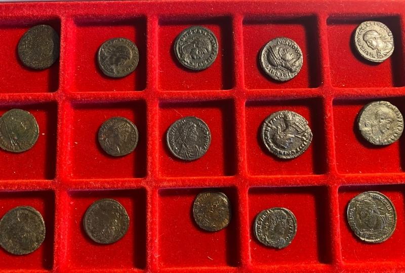 obverse: 27 monete