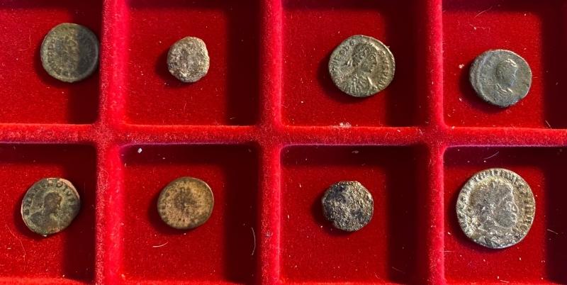 obverse: 8 monete da studio
