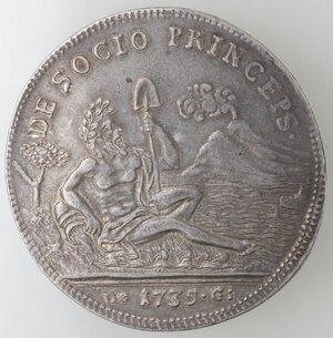 reverse: Napoli. Carlo di Borbone. 1734-1759. Piastra 1735 NEAP. Sebeto. Ag.