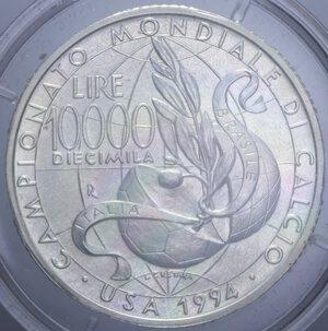 reverse: 10000 LIRE 1994 MONDIALI CALCIO USA AG. 22 GR. IN COFANETTO FDC