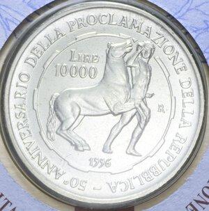 reverse: 10000 LIRE 1996 PROCLAMAZIONE REPUBBLICA AG. 22 GR. IN FOLDER FDC