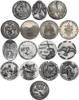 reverse: Paolo VI (1963-1678), Giovanni Battista Montini di Concesio. . Serie completa di sedici (16) medaglie annuali, A. I- XVI in argento
