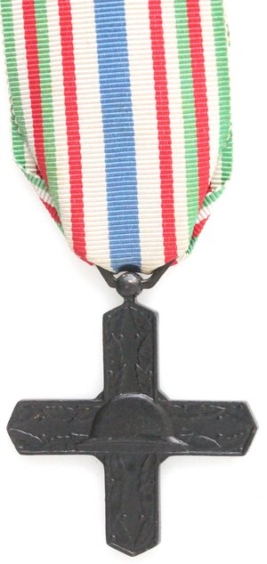 reverse: Medaglie. Croce dell Ordine di Vittorio Veneto. Ae.
