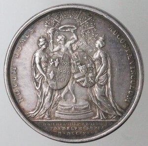 reverse: Medaglie. Francia. Luigi XV. 1715-1774. Medaglia 1745. Per il primo matrimonio con Maria Teresa di Spagna. Ag.