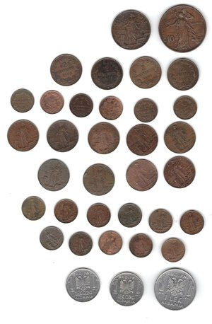 reverse: Vittorio Emanuele III. 1900-1943.Lotto di 35 monete. Nominali e date ripetute. Ac-Ae.