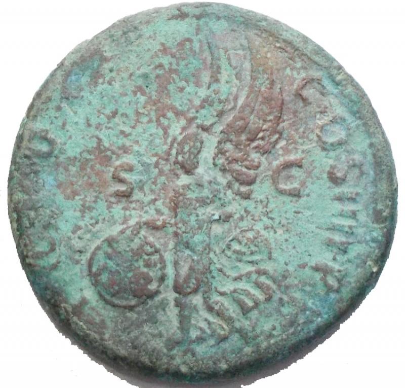 reverse: Impero Romano - Traiano. 98-117 d.C. Asse. d/ Testa laureata di Traiano verso destra r/ Vittoria Alata con Scudo verso sinistra / S-C. Peso 11,77 gr. Diametro 26,86 mm. qBB